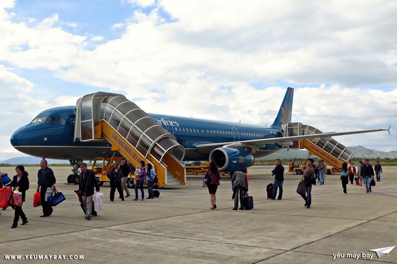 Sân bay Liên Khương quả là thân thiện với air spotter khi hành khách được đi bộ từ máy bay vào nhà ga.