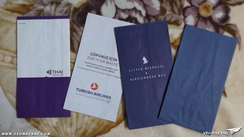Túi nôn của một số hãng thuộc liên minh hàng không Star Alliance: Thai; Turkish; Singapore và United - Ảnh: Tuấn Đỗ