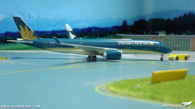 Một mô hình 1/400 Vietnam Airlines Airbus A350 của Gemini Jet - Ảnh: Tuấn Đỗ