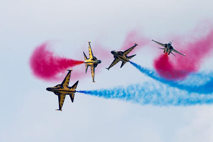 Một bài bay của đội Black Eagles đến từ Hàn Quốc - Ảnh: www.singaporeairshow.com