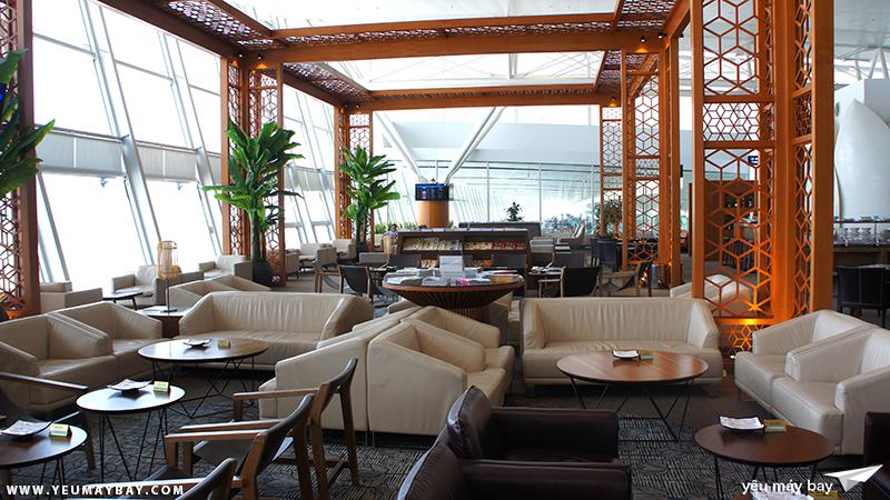 Phòng chờ Lotus của Vietnam Airlines, sảnh quốc tế, sân bay Nội Bài. Ảnh: TRAVIP