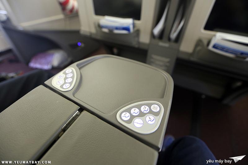 Khoang hạng thương gia máy bay Airbus A330-300 của Malaysia Airlines. Ảnh: TRAVIP