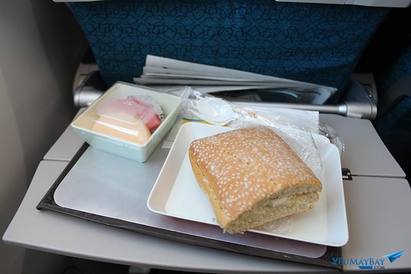 Suất ăn từ Hà Nội đi TPHCM của Vietnam Airlines. Ảnh: Đậu Tiến Đạt