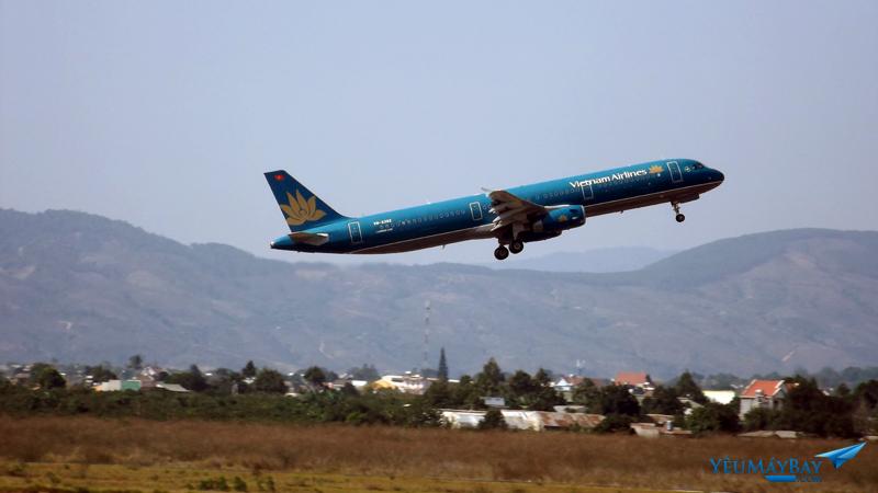 Vietnam Airlines cất cánh tại DLI - Ảnh: Tuấn Đỗ