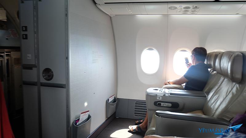 Khoang hạng thương gia của Malindo Air. Ảnh: Travip
