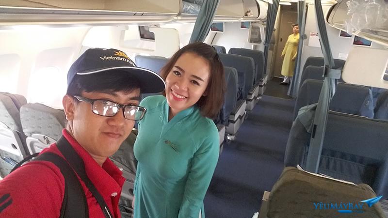 Selfie cùng crew member - Ảnh: Tuấn Đỗ