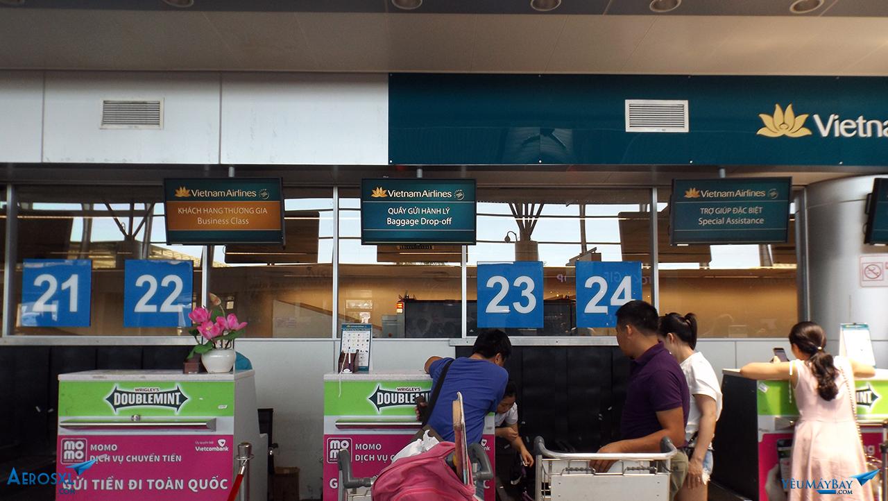 Quầy ký gởi hành lý cho khách đã làm thủ tục trước - Ảnh: Tuấn Đỗ