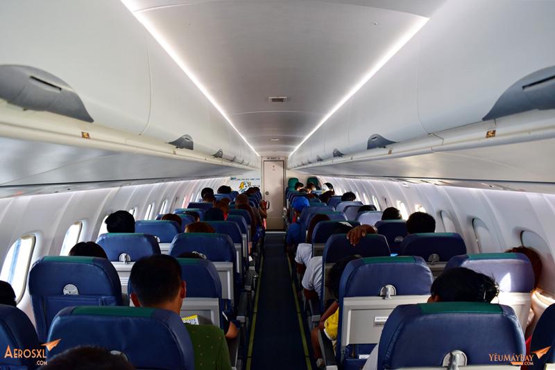 Khoang hành khách trên ATR72. Máy bay ATR72 của Cebu có 72 ghế, với 4 hàng mỗi ghế. Ảnh: Dũng Nguyễn