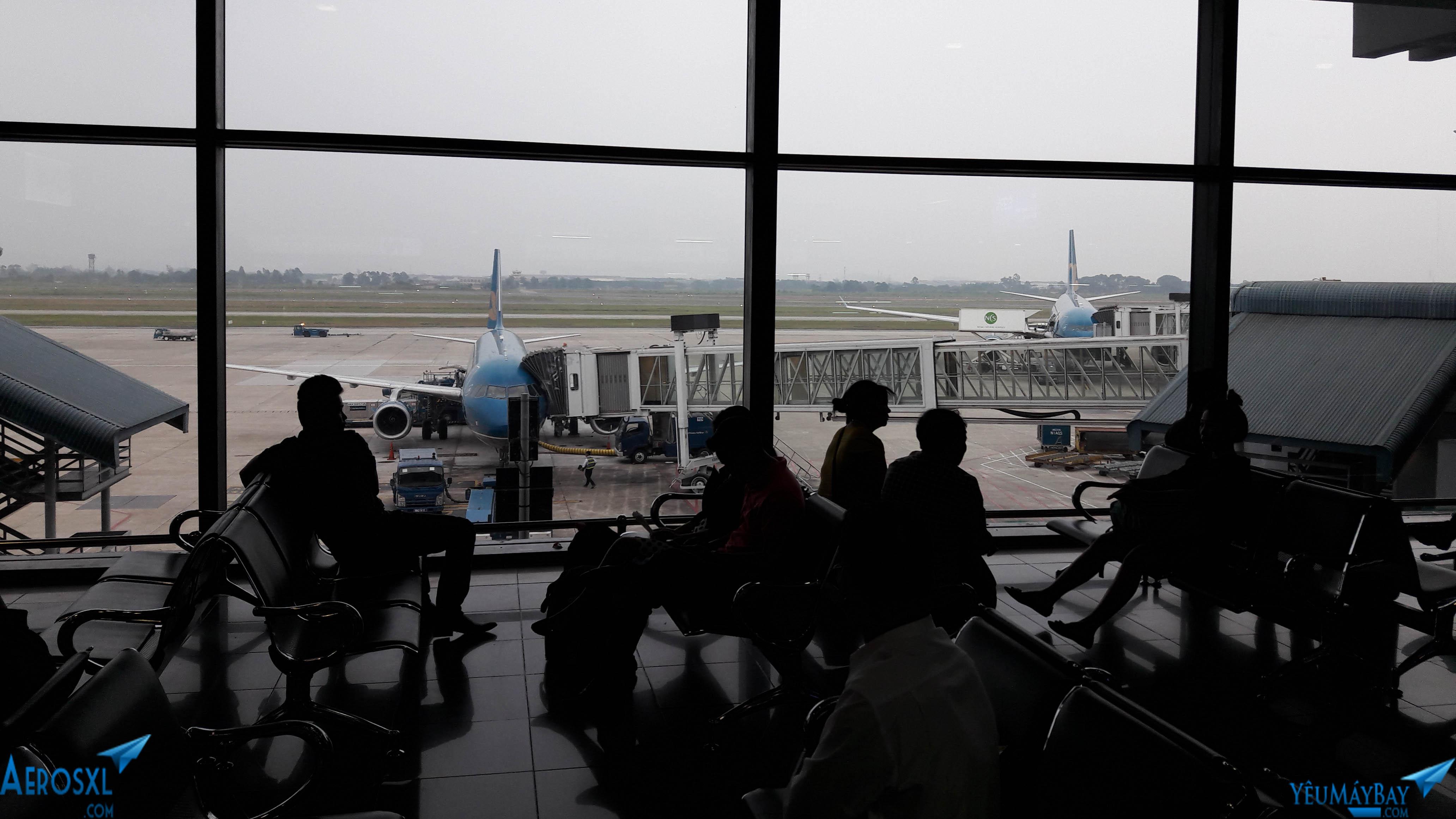 Một góc phòng chờ tại nhà ga T1 sân bay Nội Bài. Ảnh: Kevin Tran