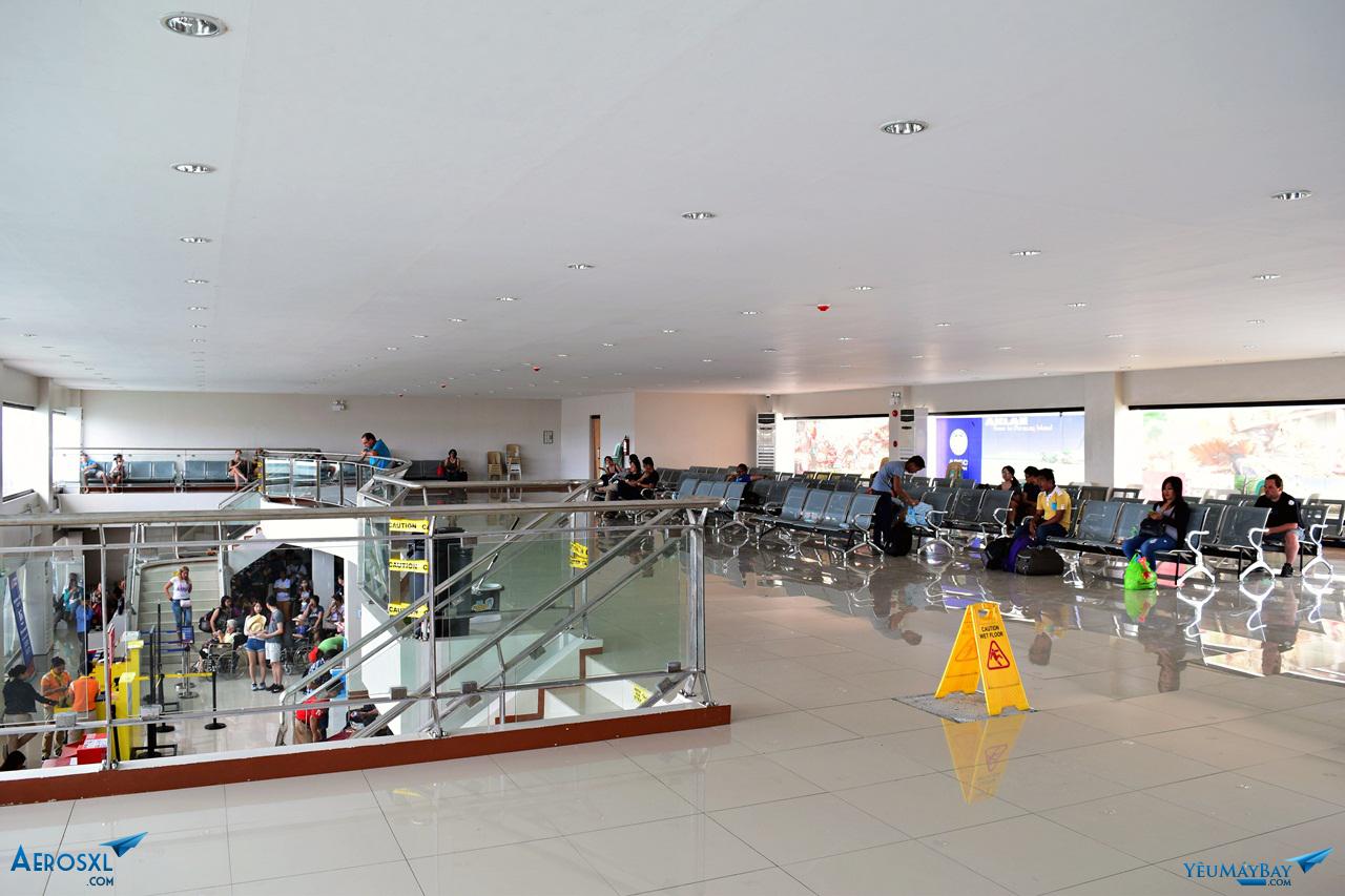 Phòng chờ nội địa nằm trên tầng 2. Ảnh: Dũng Nguyễn