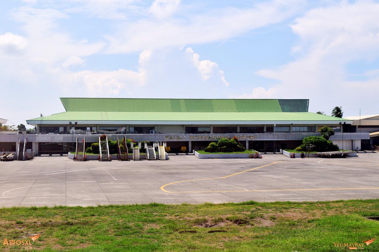 Toàn cảnh nhà ga sân bay Kalibo nhìn từ đường băng. Ảnh: Dũng Nguyễn