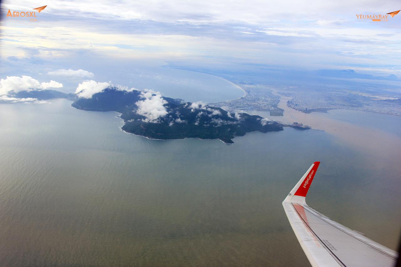 Nghiêng cánh chào thành phố Đà Nẵng xinh đẹp. Ảnh: Phạm Bảo Anh