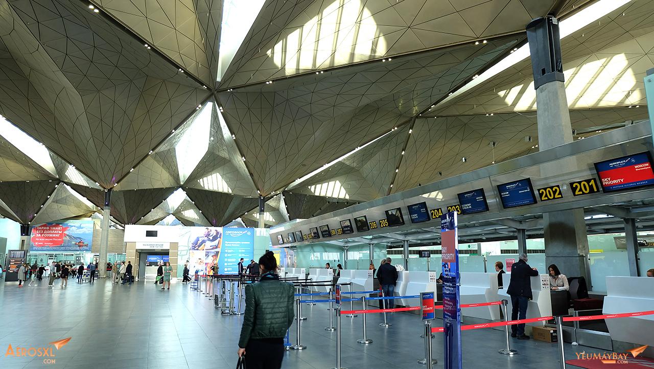Khu vực làm thủ tục của Aeroflot bên trong nhà ga sân bay Pulkovo. Ảnh: Travip