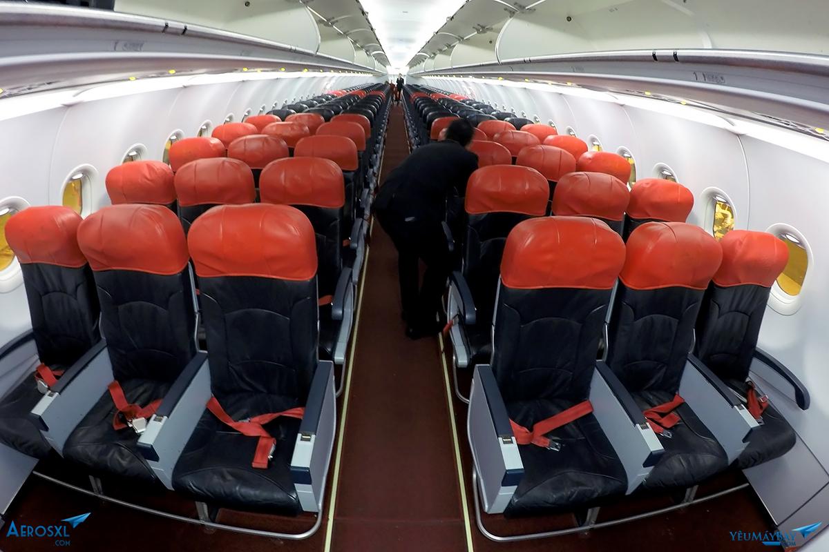 Cabin của chiếc 9M-AJD Ảnh: Đậu Tiến Đạt