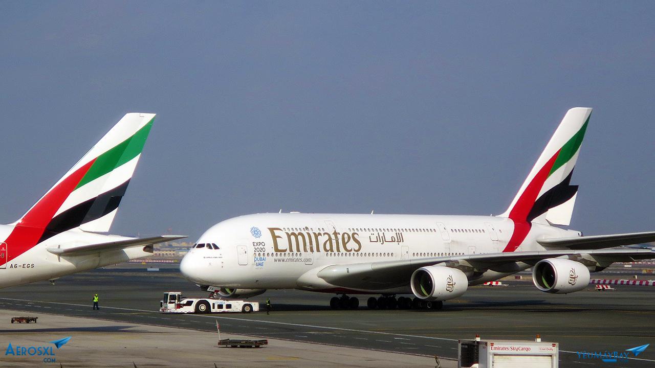A380 đang được kéo tại Dubai - Ảnh: Travip