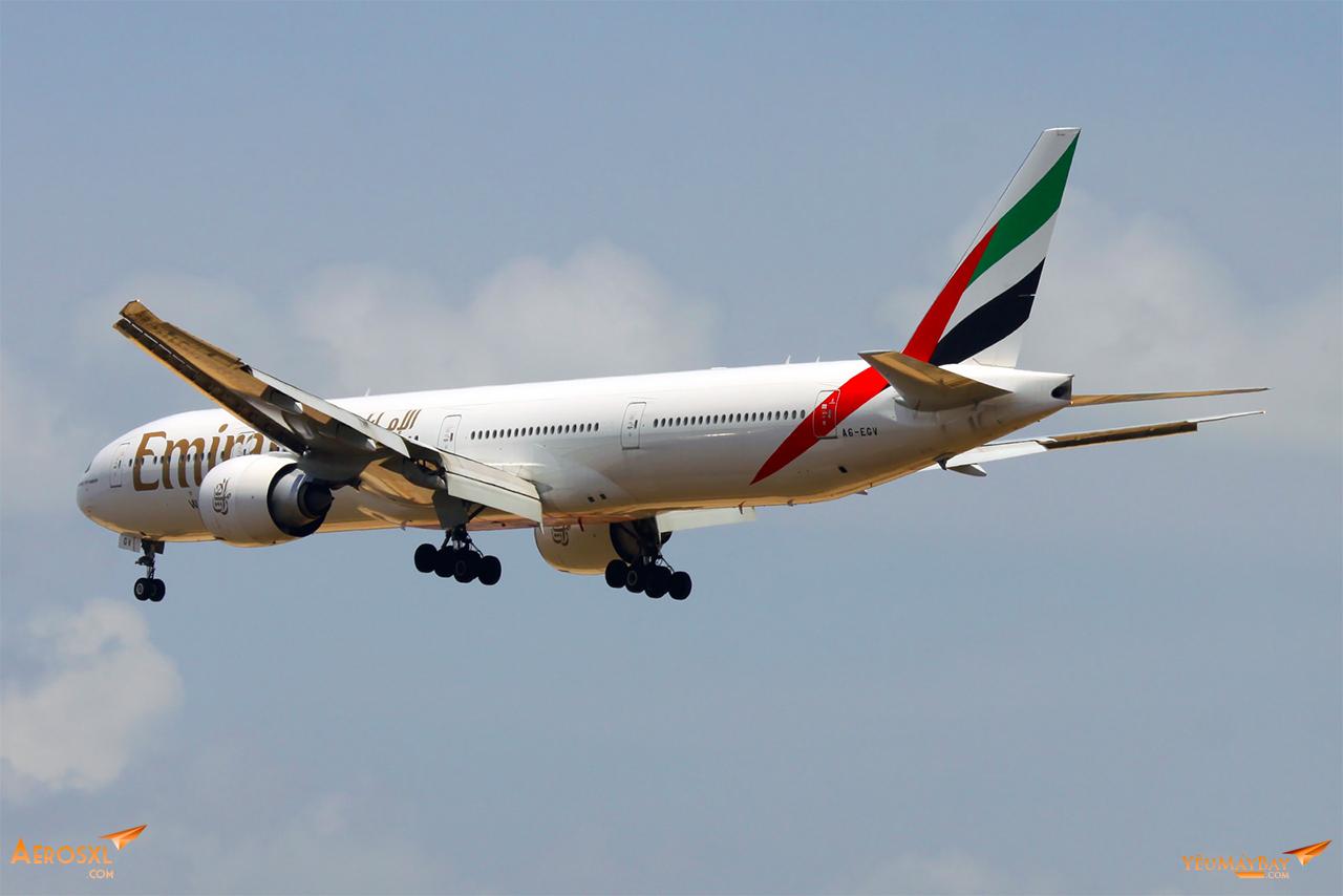 Boeing 777-300ER hạ cánh tại Changi, Singapore - Ảnh: Long Ethan
