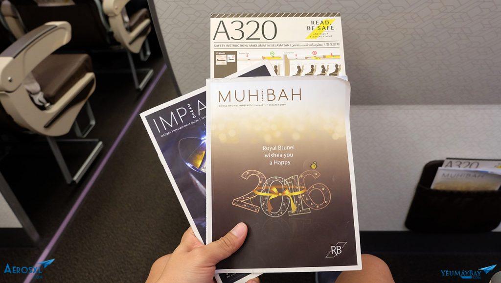 Tạp chí trên máy bay. Ảnh: Travip.
