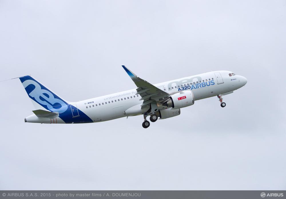Một chiếc A320neo cất cánh trong chuyến bay test - Ảnh: Airbus