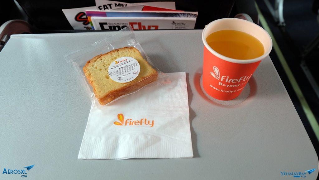 Bánh bơ với nước cam. Ảnh: Travip